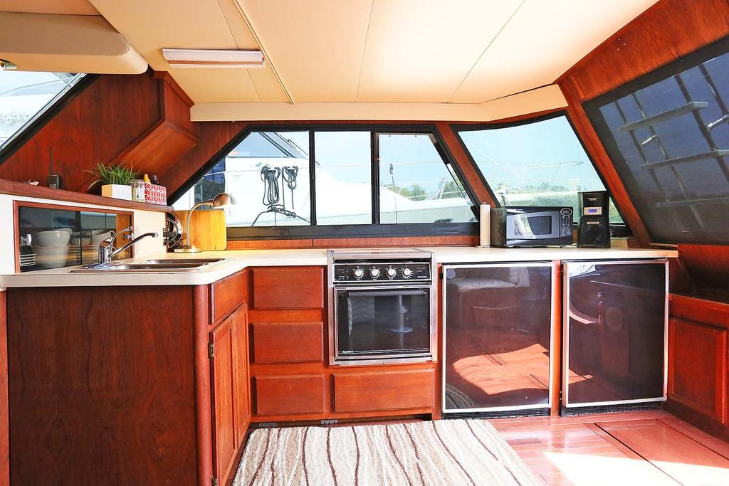 1988 Blue Water boat for sale, model of the boat is 47 COASTAL CRUISER & Image # 7 of 11