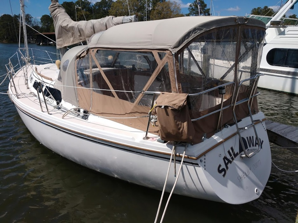 1986 Catalina Yachts boat for sale, model of the boat is 34 & Image # 8 of 11