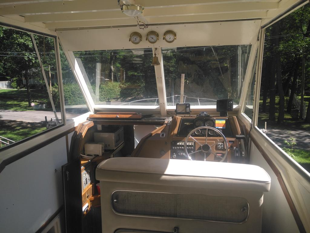 1985 Chris Craft boat for sale, model of the boat is 266 Scorpion & Image # 8 of 9
