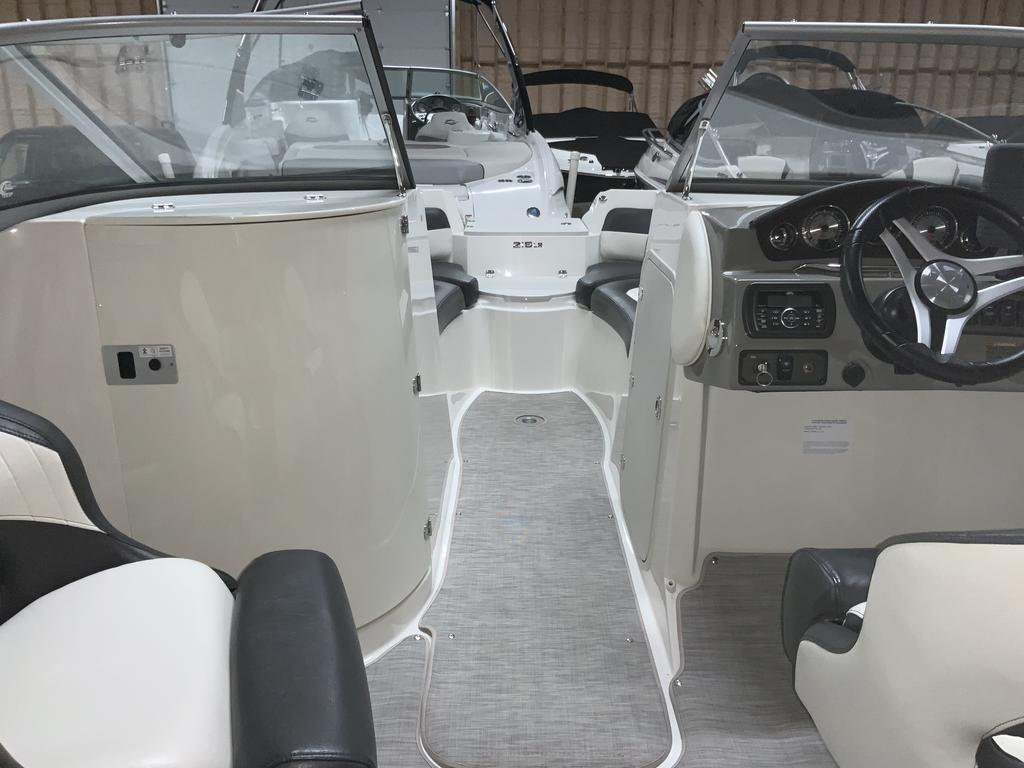 2017 Stingray boat for sale, model of the boat is 215 LR & Image # 2 of 13