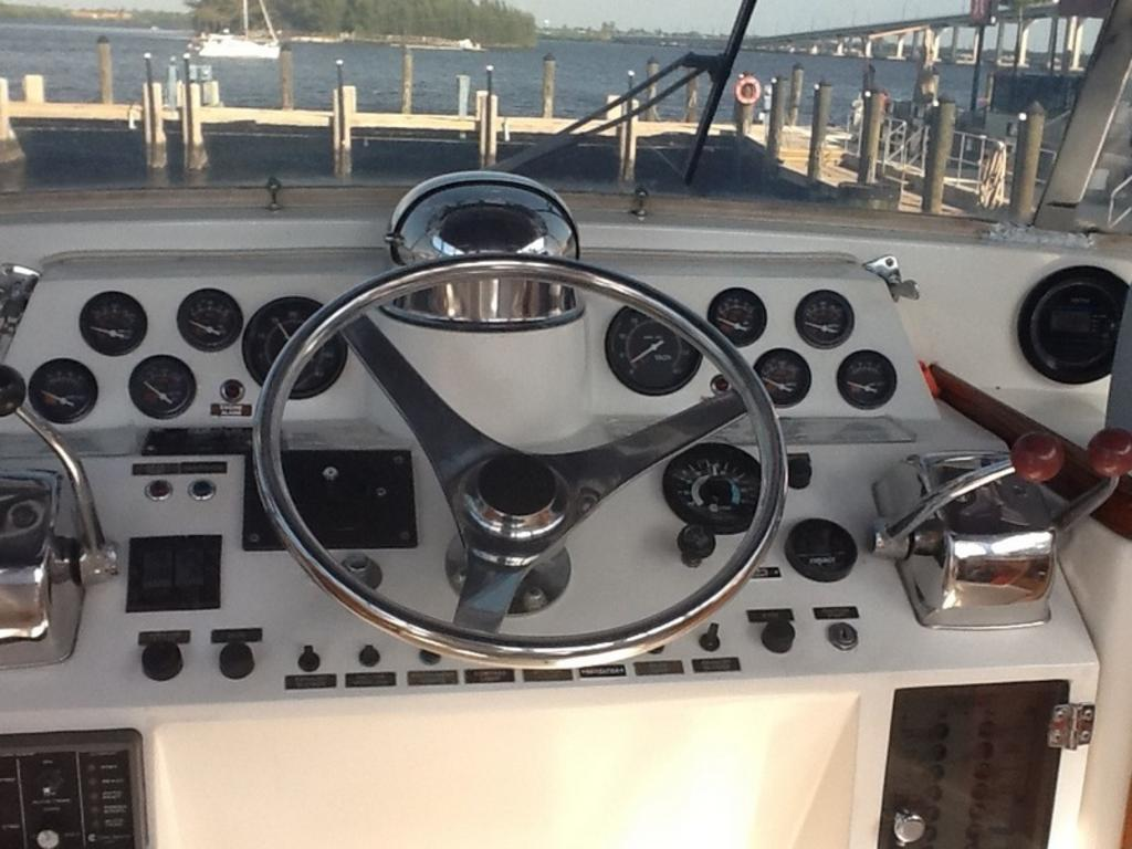 1987 Gulfstar boat for sale, model of the boat is cabin cruser & Image # 11 of 15