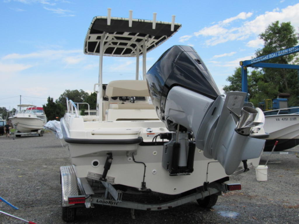 2019 Boston Whaler boat for sale, model of the boat is 240 Dauntless & Image # 7 of 27