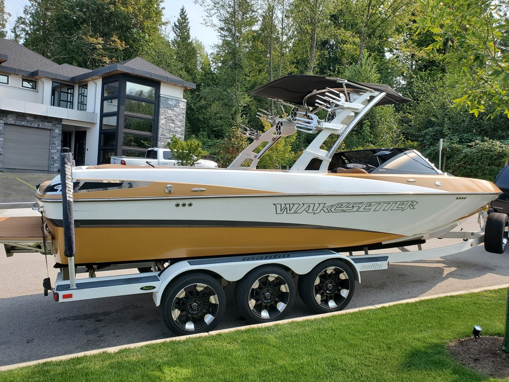 2011 Malibu boat for sale, model of the boat is Wakesetter 247 LSV & Image # 18 of 20