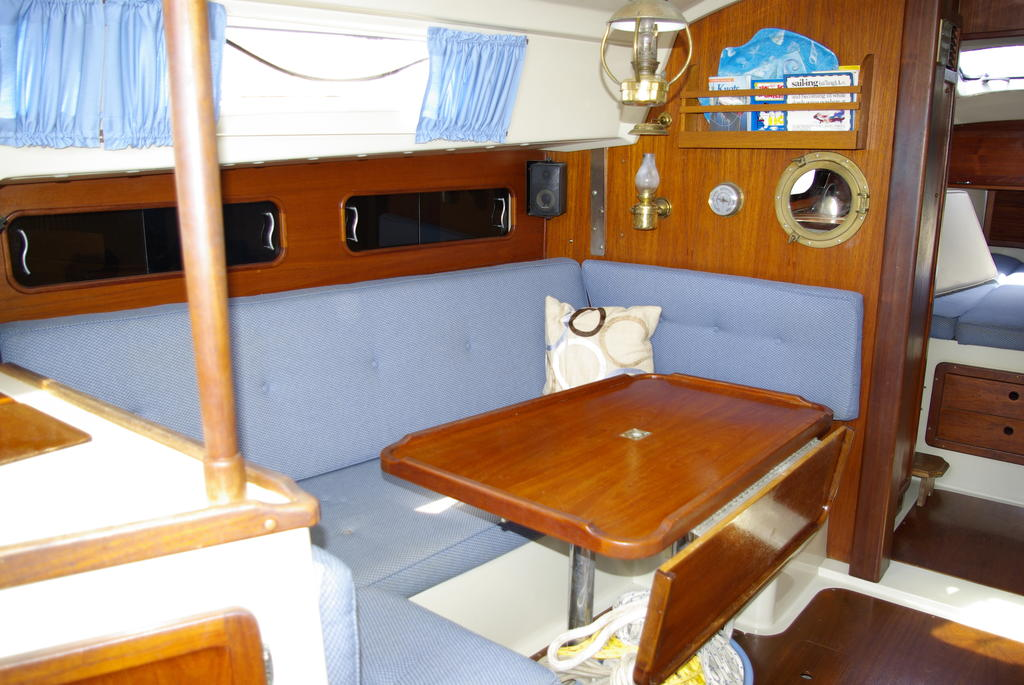 1982 Mirage boat for sale, model of the boat is 33 Sloop & Image # 7 of 15