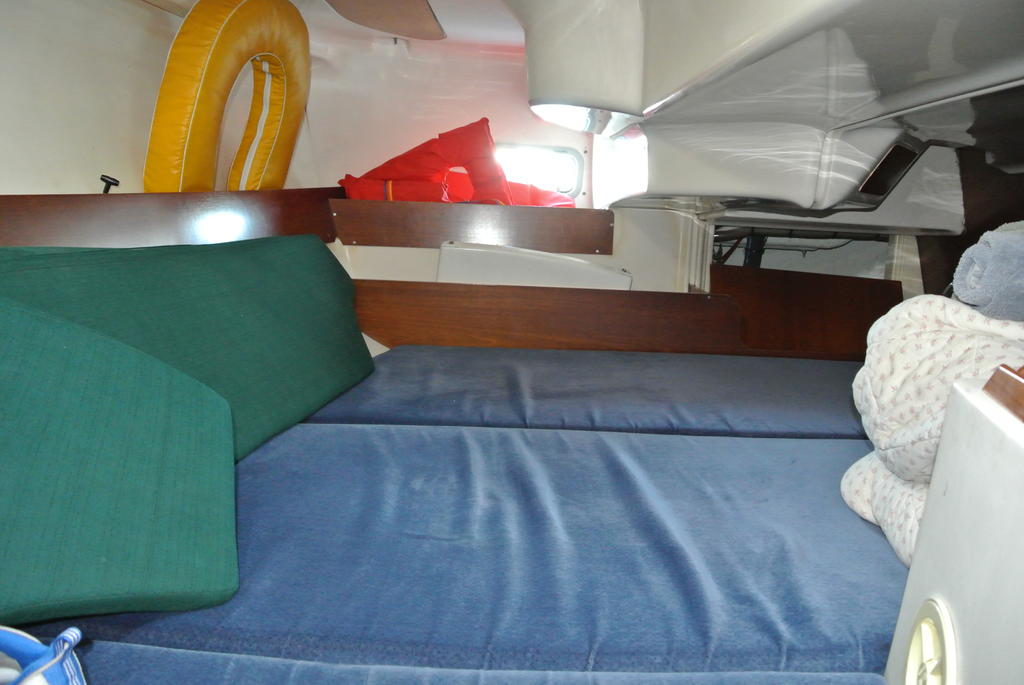 1998 Beneteau boat for sale, model of the boat is Oceanis 321 & Image # 18 of 18