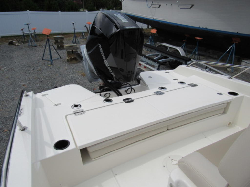 2019 Boston Whaler boat for sale, model of the boat is 240 Dauntless & Image # 12 of 27