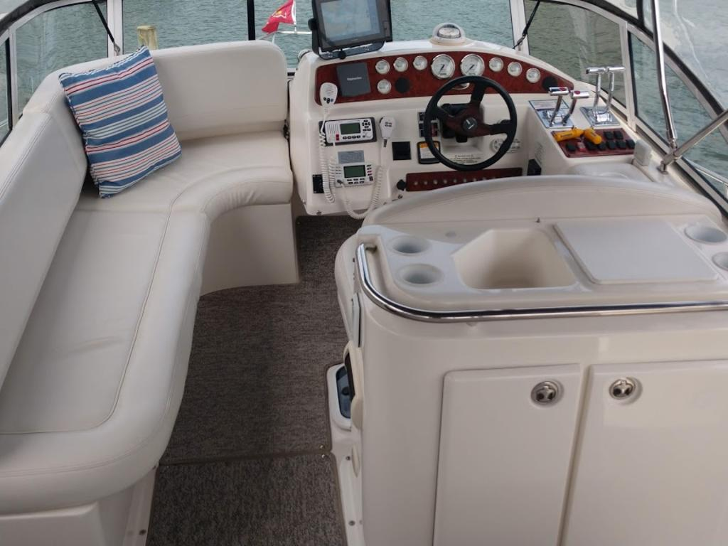 2005 Silverton boat for sale, model of the boat is 330 & Image # 13 of 17