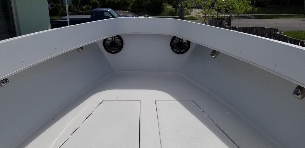 1997 Island Runner boat for sale, model of the boat is 31 CC & Image # 8 of 17
