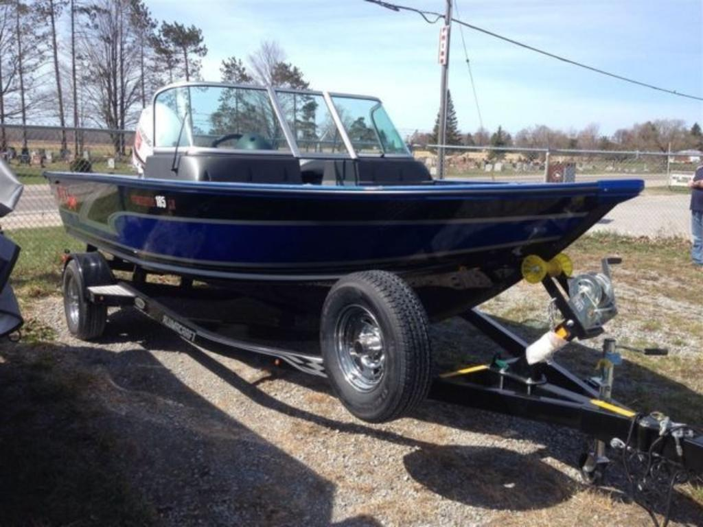 2015 Alumacraft boat for sale, model of the boat is Dominator 185 LE & Image # 7 of 12