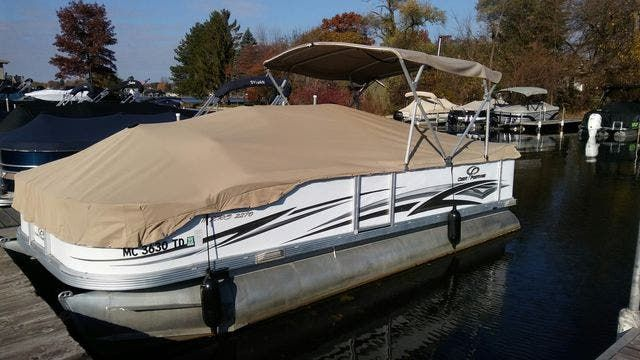 2008 Crest boat for sale, model of the boat is 22-IIIXRS & Image # 2 of 15