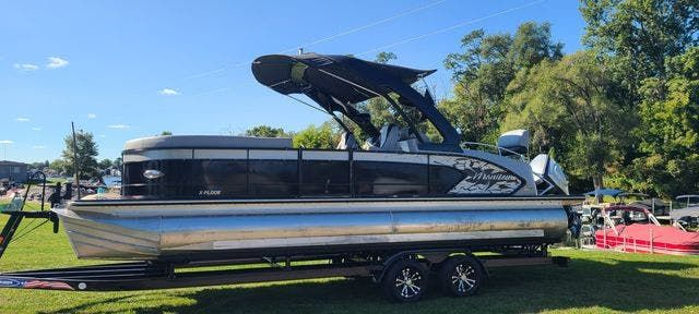 2019 Manitou boat for sale, model of the boat is 25 XPLODESRSSHP & Image # 1 of 16
