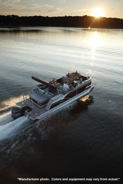 2022 Sylvan boat for sale, model of the boat is L3CLZDH & Image # 2 of 5