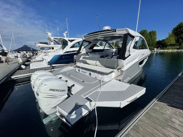 2021 Cruisers Yachts boat for sale, model of the boat is 42GLSOB & Image # 2 of 37