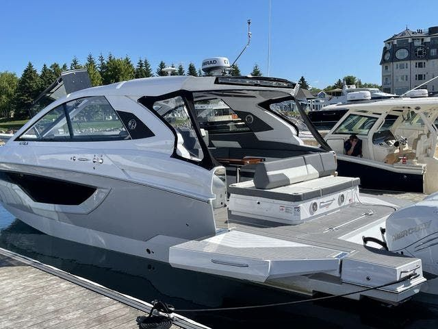 2021 Cruisers Yachts boat for sale, model of the boat is 42GLSOB & Image # 1 of 37