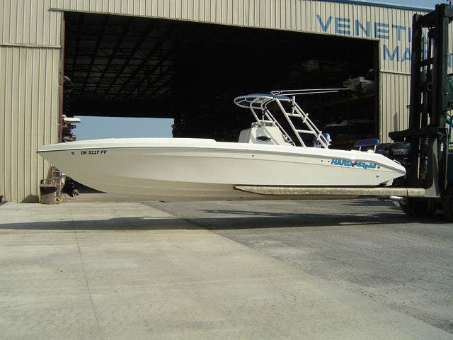 2004 Sonic boat for sale, model of the boat is 31CENTERCONSOLE & Image # 1 of 43