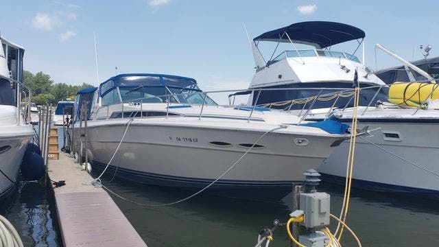 1987 Sea Ray boat for sale, model of the boat is 390EXPRESS & Image # 1 of 19