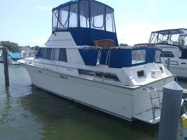 1989 Silverton boat for sale, model of the boat is 40 AFT CABIN & Image # 2 of 39