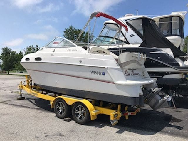 1998 Four Winns boat for sale, model of the boat is 238VISTA & Image # 2 of 32