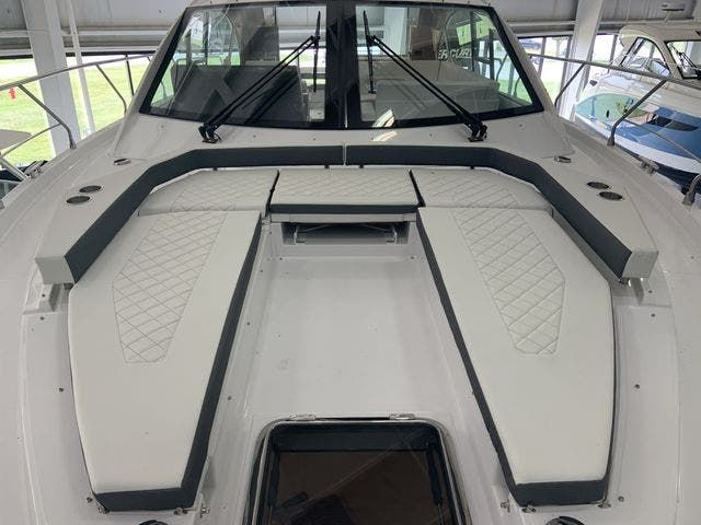 2021 Cruisers Yachts boat for sale, model of the boat is 50CANTIUS & Image # 2 of 31