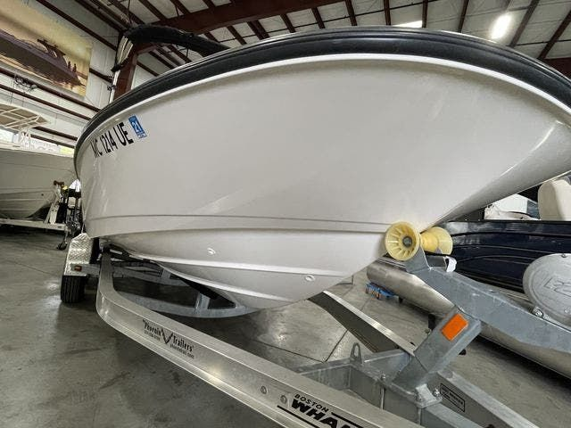 2017 Boston Whaler boat for sale, model of the boat is 210 DAUNTLESS & Image # 1 of 14
