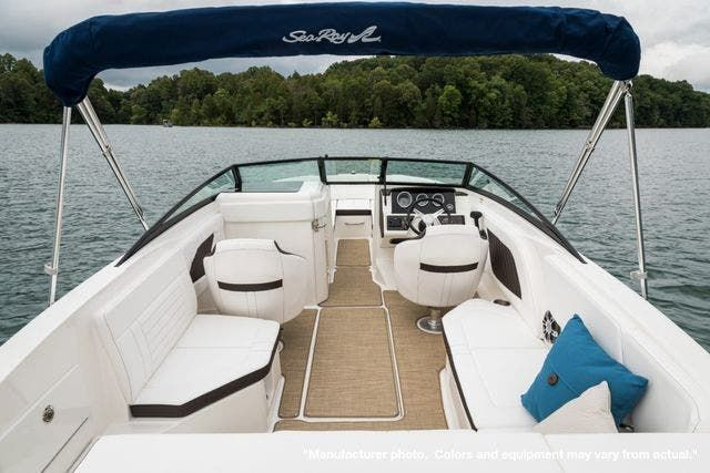 2022 Sea Ray boat for sale, model of the boat is 230SPX & Image # 2 of 12