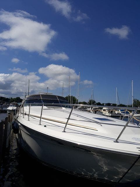 1997 Sea Ray boat for sale, model of the boat is 50' SUNDANCER & Image # 2 of 67