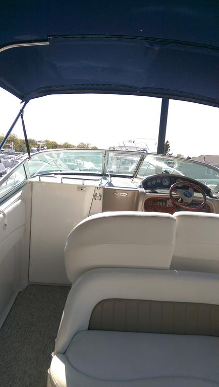 2004 Four Winns boat for sale, model of the boat is Vista 268 & Image # 3 of 14