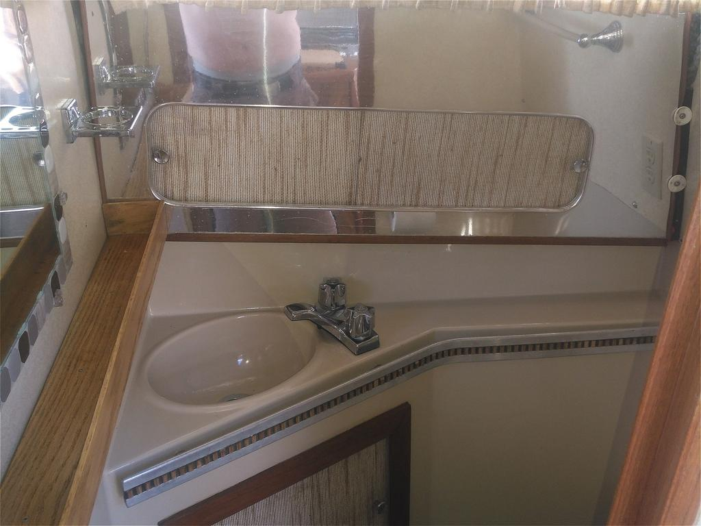 1985 Chris Craft boat for sale, model of the boat is 266 Scorpion & Image # 9 of 9