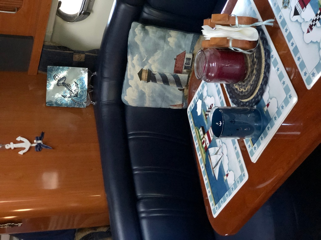 2001 Four Winns boat for sale, model of the boat is 328 Vusta & Image # 14 of 23