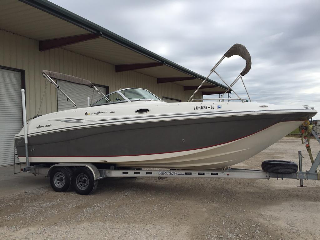 2012 Hurricane boat for sale, model of the boat is 2700 & Image # 2 of 7