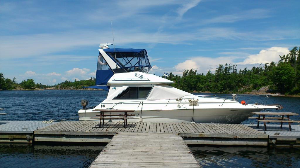 1989 Sea Ray boat for sale, model of the boat is 340 / 345 Sedan Bridge & Image # 19 of 52