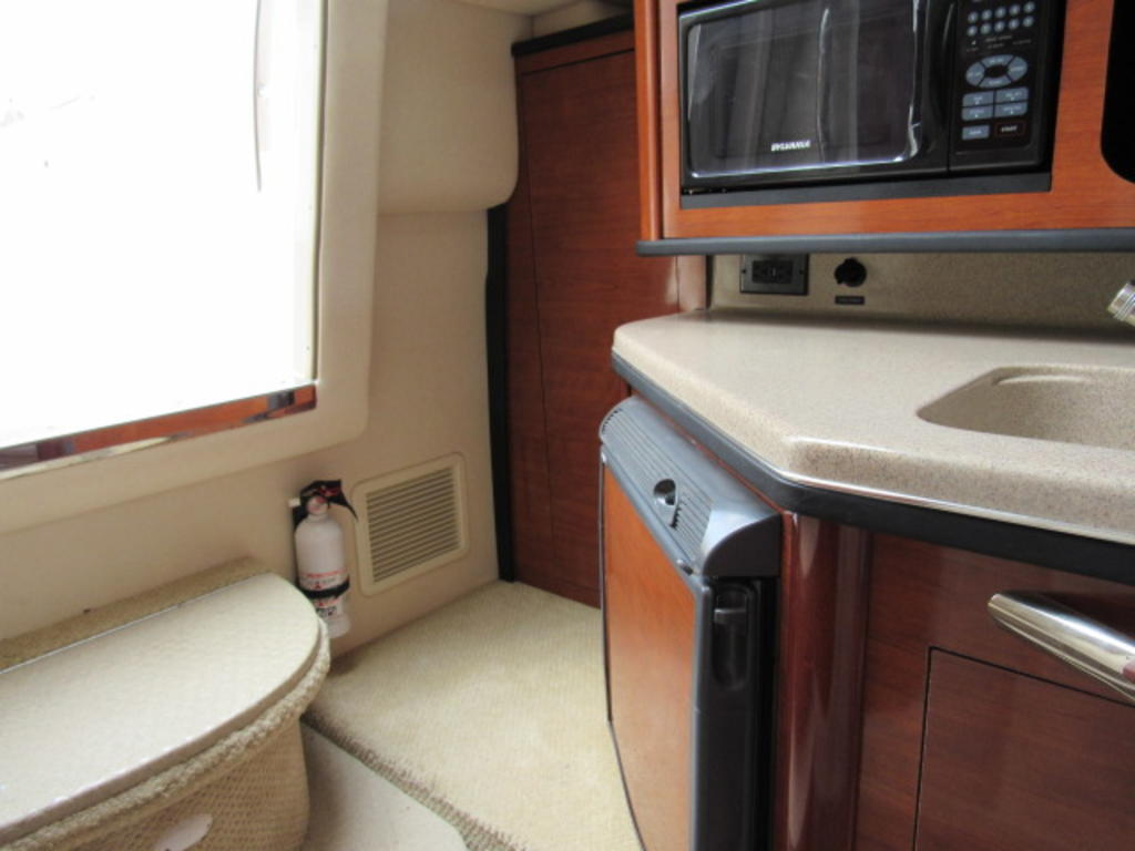 2006 Sea Ray boat for sale, model of the boat is 270 Amberjack & Image # 27 of 48