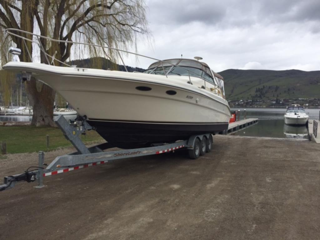 1996 Sea Ray boat for sale, model of the boat is 330 Sundancer DA & Image # 8 of 15
