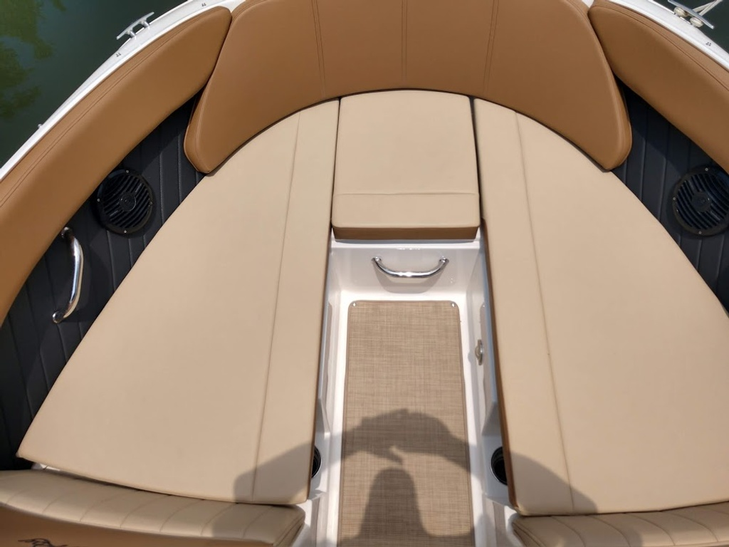 2018 Sea Ray boat for sale, model of the boat is 230 SPXO & Image # 8 of 12