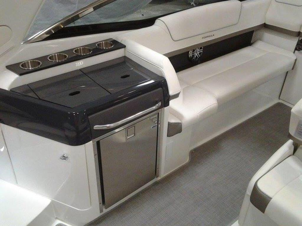 2017 Formula boat for sale, model of the boat is 310 SS & Image # 2 of 16