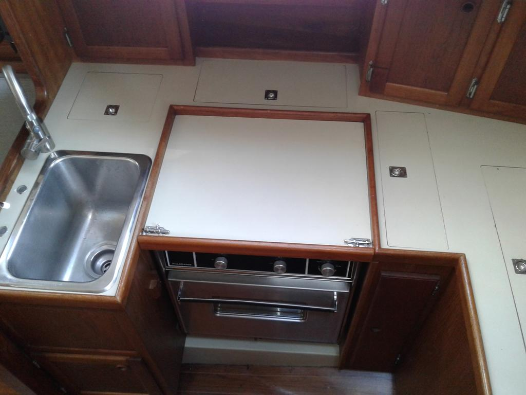 1986 Bayfield Yachts boat for sale, model of the boat is 36 & Image # 4 of 17