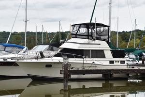 1981 CARVER AFT CABIN 3007 for sale