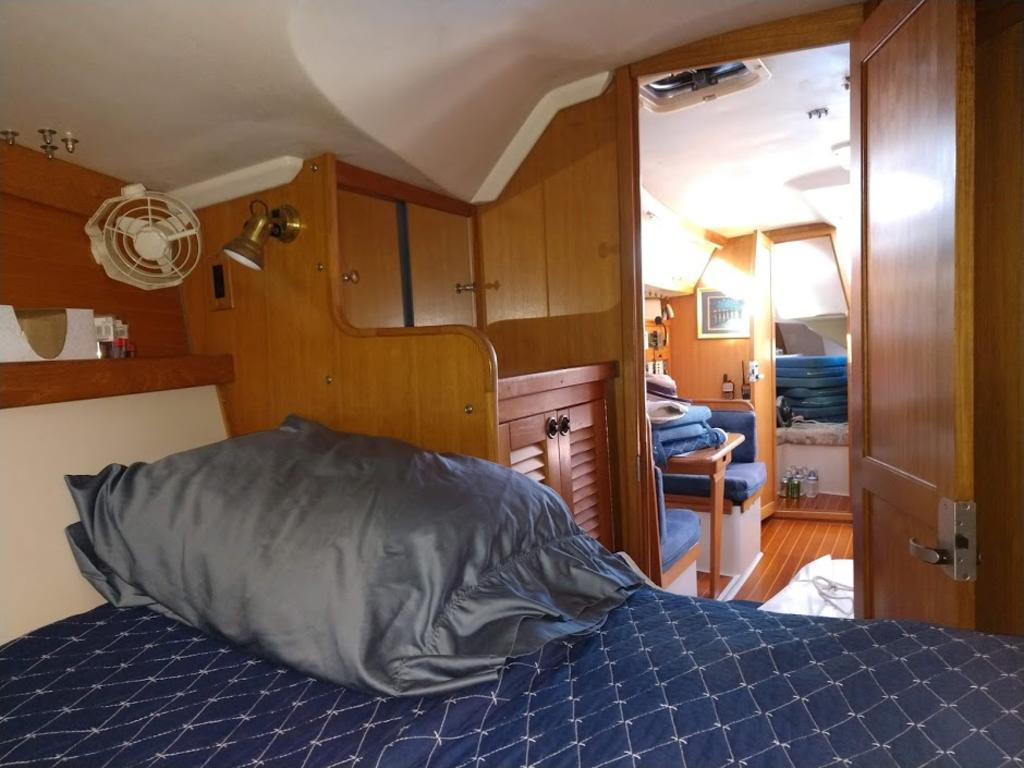 2000 Catalina Yachts Cruiser Series boat for sale, model of the boat is 36 MKII & Image # 7 of 12