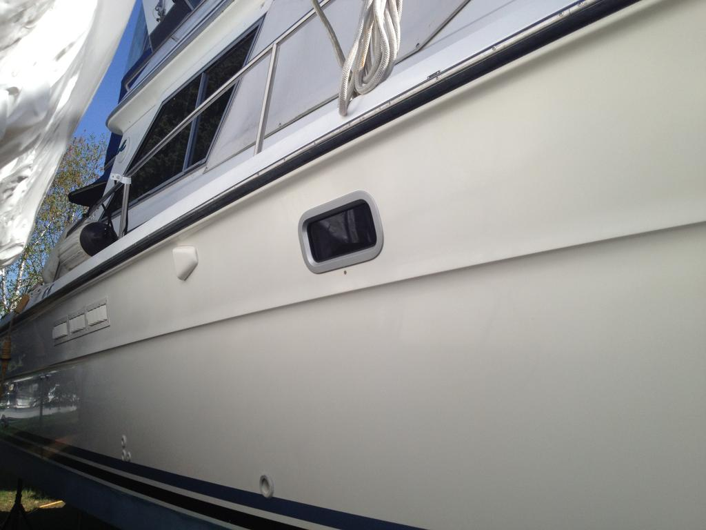 1989 Sea Ray boat for sale, model of the boat is 340 / 345 Sedan Bridge & Image # 23 of 52