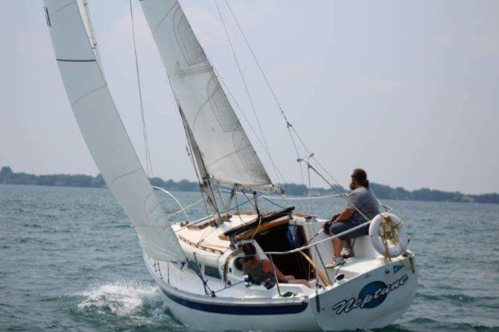 1974 Ericson boat for sale, model of the boat is Ericson 27 & Image # 1 of 8