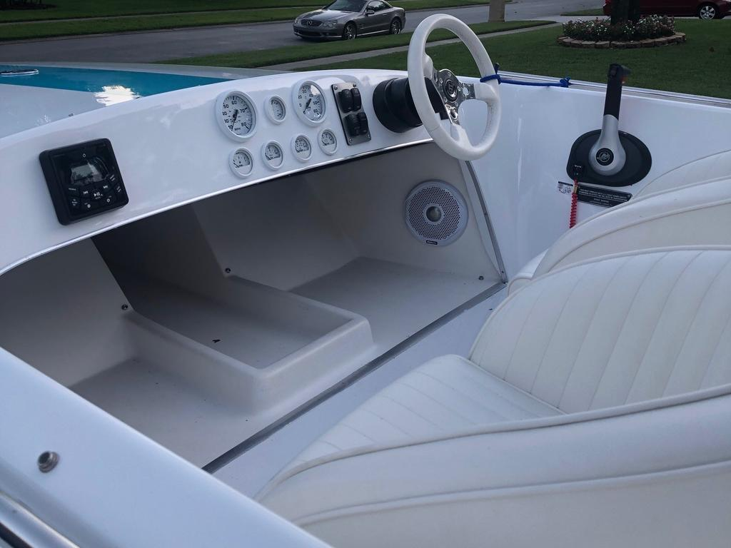 1988 Donzi boat for sale, model of the boat is 18 2   3 & Image # 6 of 9