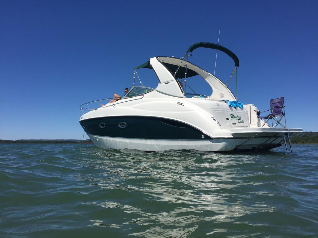 2002 Maxum boat for sale, model of the boat is SCR310 & Image # 6 of 8