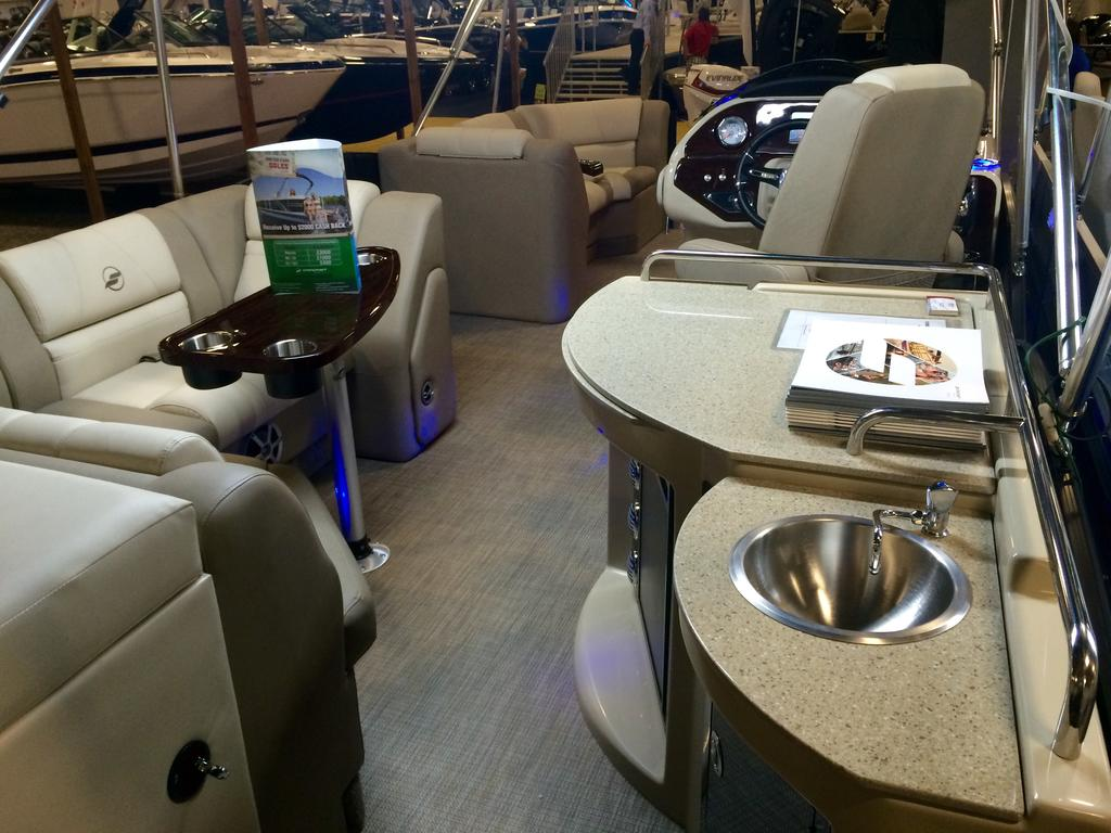 2016 Starcraft boat for sale, model of the boat is MX 23 C & Image # 4 of 13