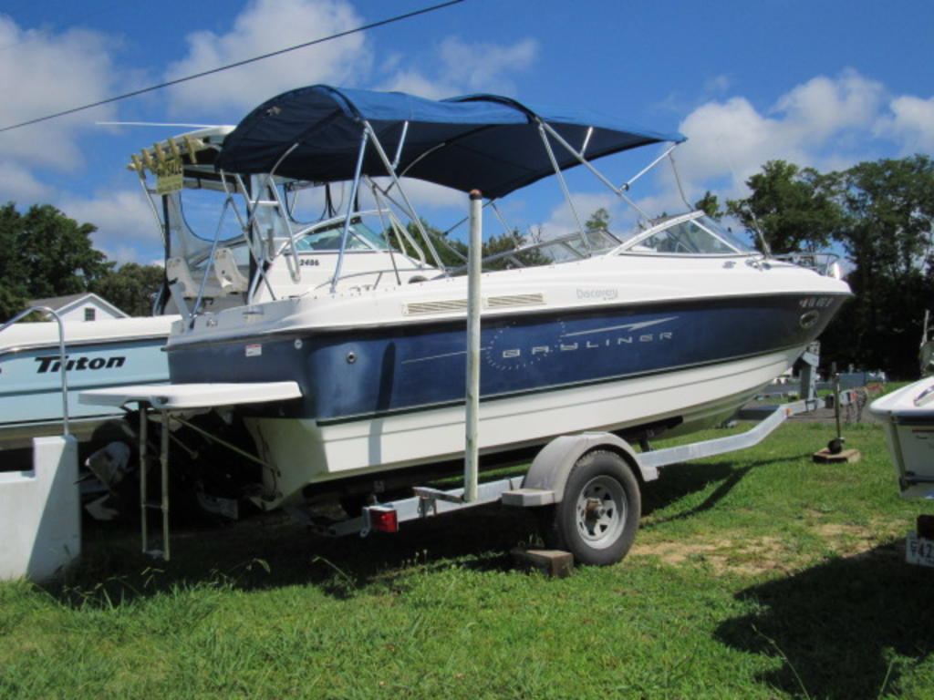 2008 Bayliner boat for sale, model of the boat is 210 Discovery & Image # 3 of 31