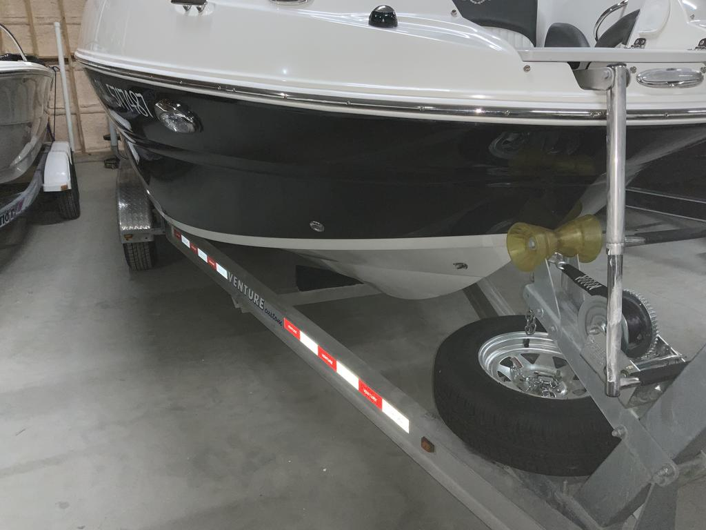 2017 Stingray boat for sale, model of the boat is 215 LR & Image # 9 of 13