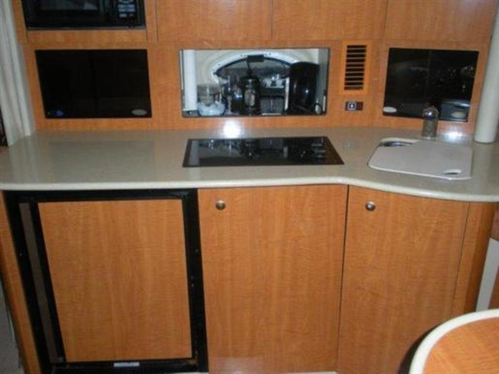 2002 Maxum boat for sale, model of the boat is SCR310 & Image # 1 of 8