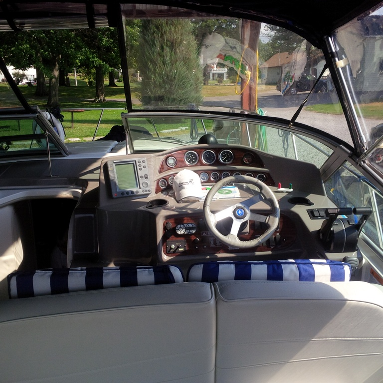 2001 Four Winns boat for sale, model of the boat is 328 Vusta & Image # 7 of 23