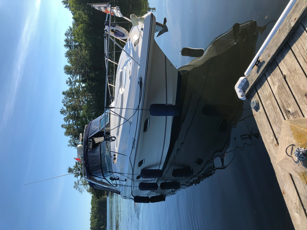 2001 Four Winns boat for sale, model of the boat is 328 Vusta & Image # 23 of 23