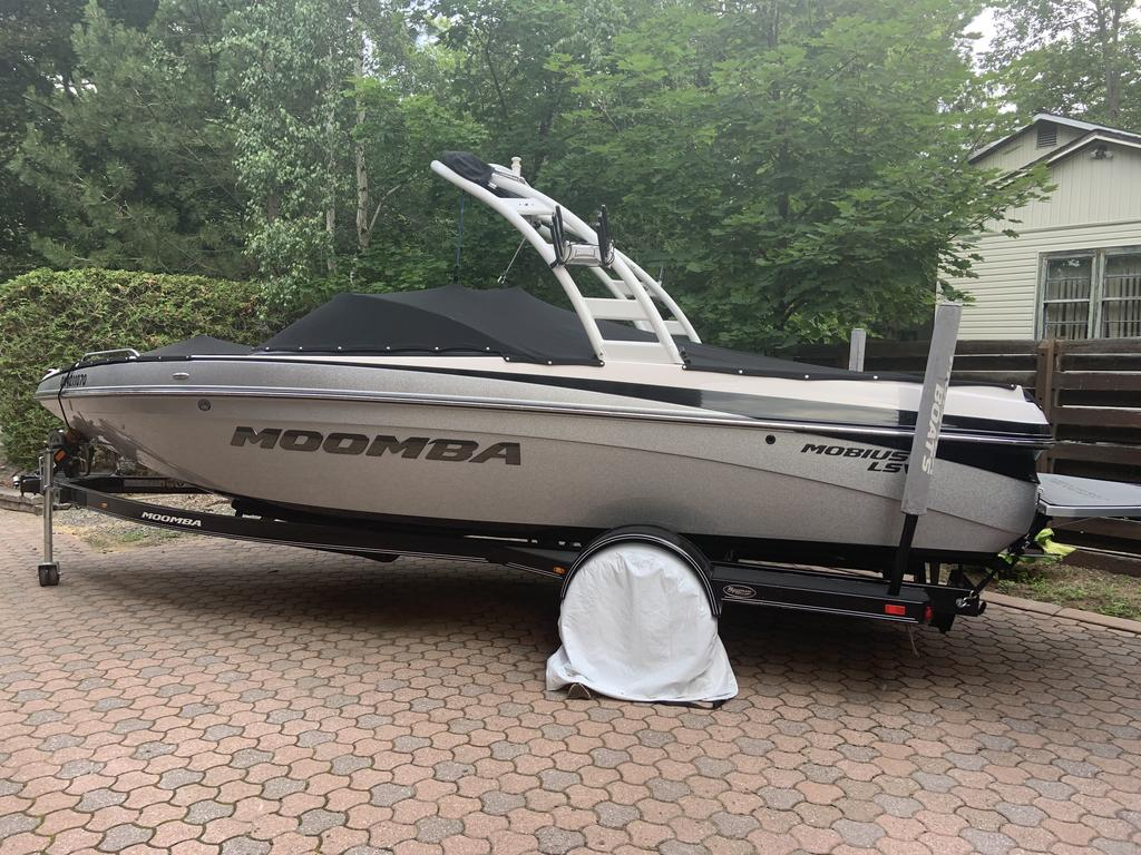 2014 Moomba boat for sale, model of the boat is Mobius LSV & Image # 2 of 16