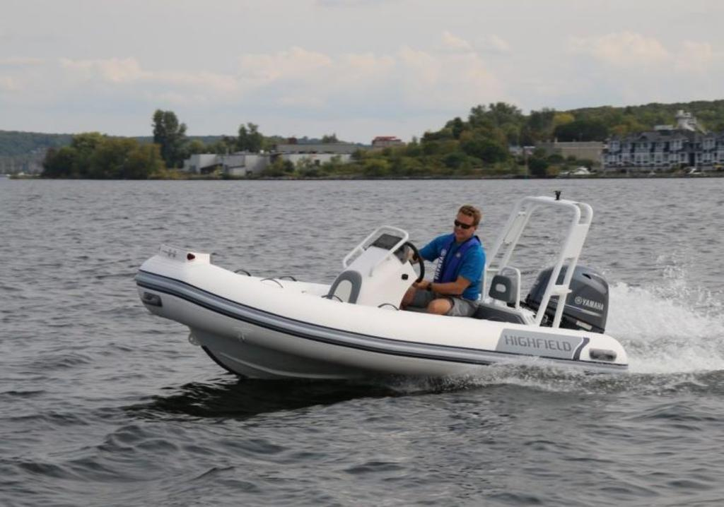 2018 Highfield boat for sale, model of the boat is Ocean Master 390 Deluxe & Image # 1 of 7
